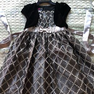 Formal gray girls dress with lace overlay size 10